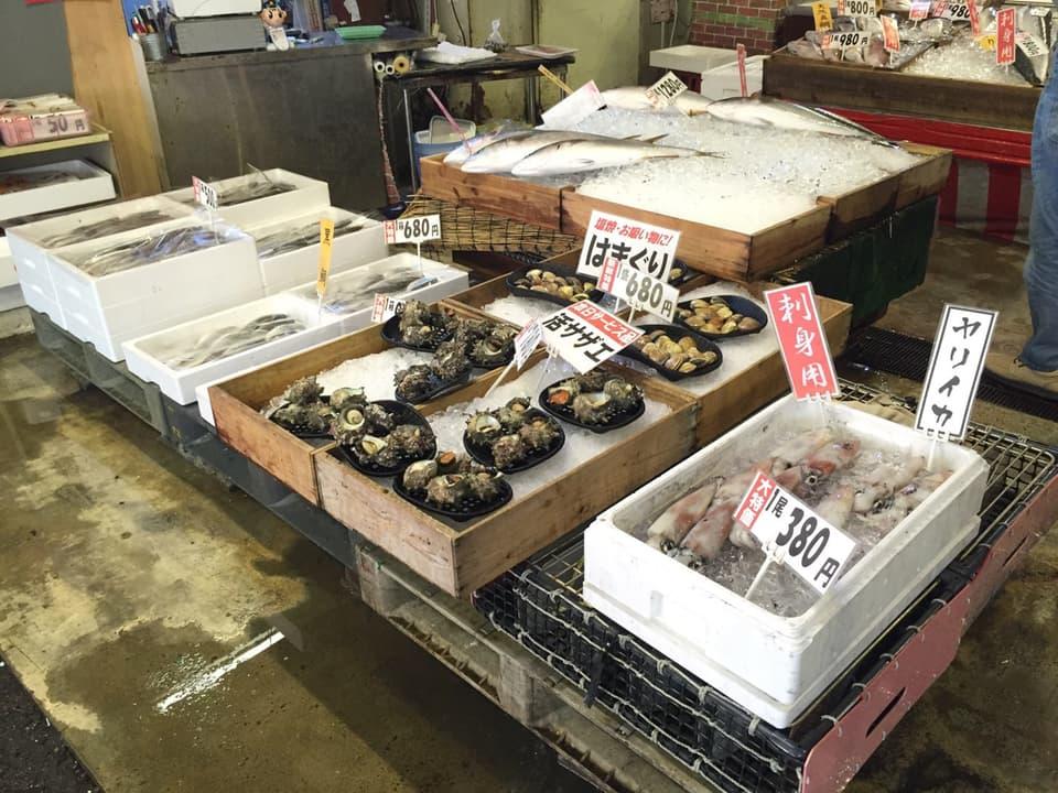 博多街道魚市はまぐり