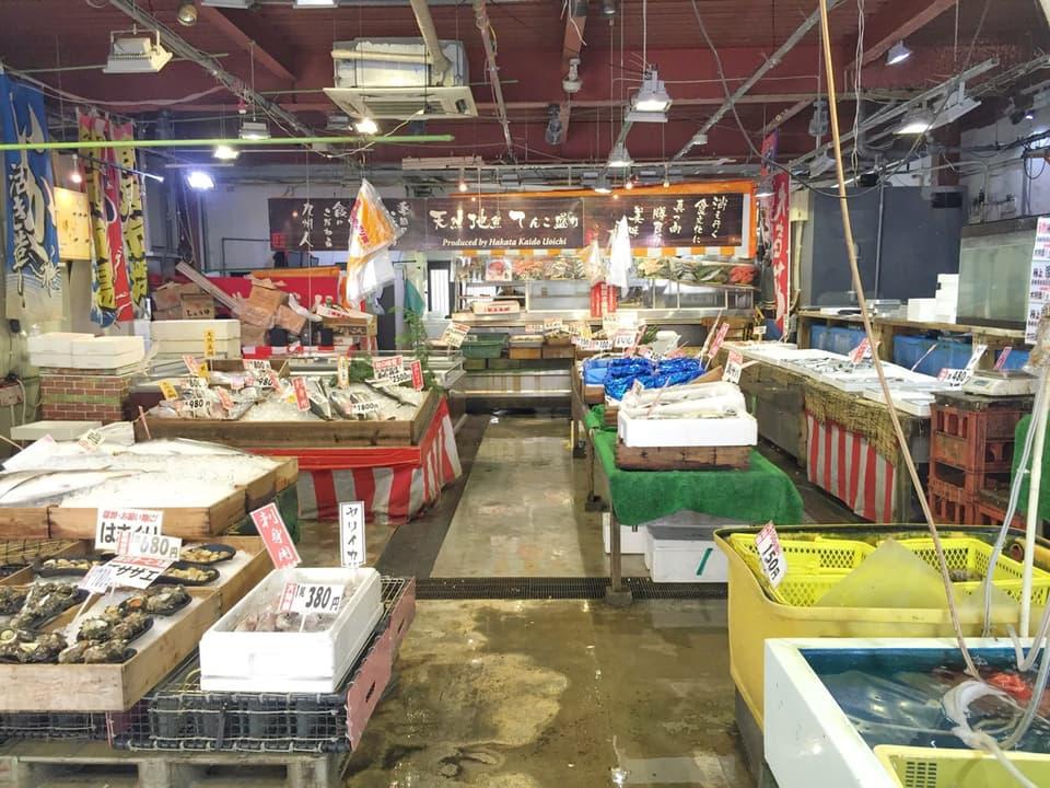 博多街道魚市店内フロア